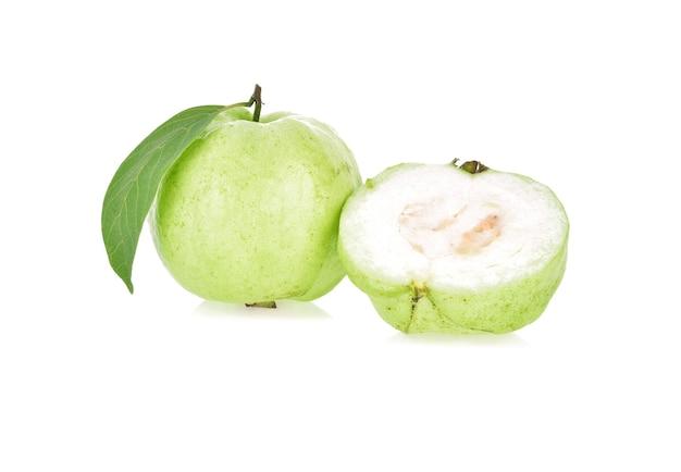 Guave fruit geïsoleerd.