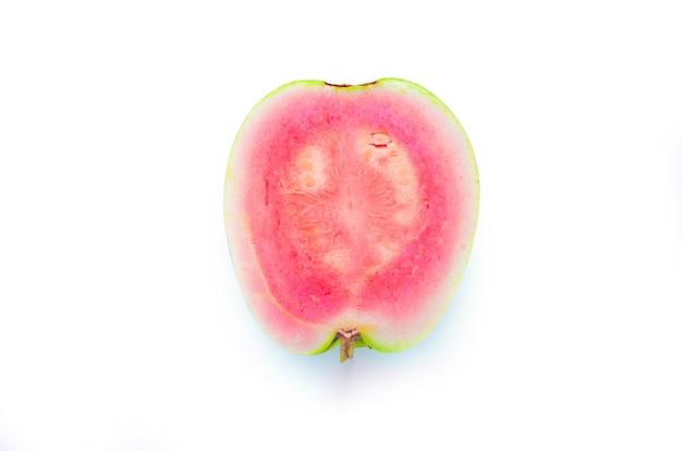 Guave geïsoleerd op wit