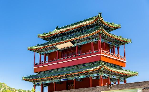 Guoji archway, de ingang bij juyongguan great wall, beijing, china