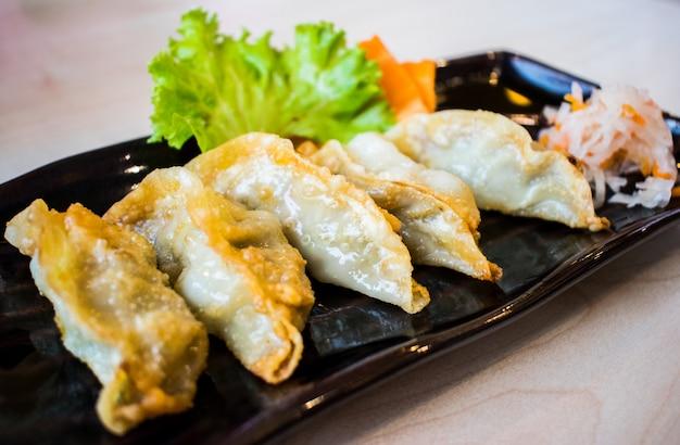 Gyoza, gefrituurde dumplings