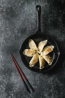Gyozas potstickers aziatische dumplings
