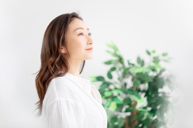 Haarverzorgingbeeld van de aziatische vrouw