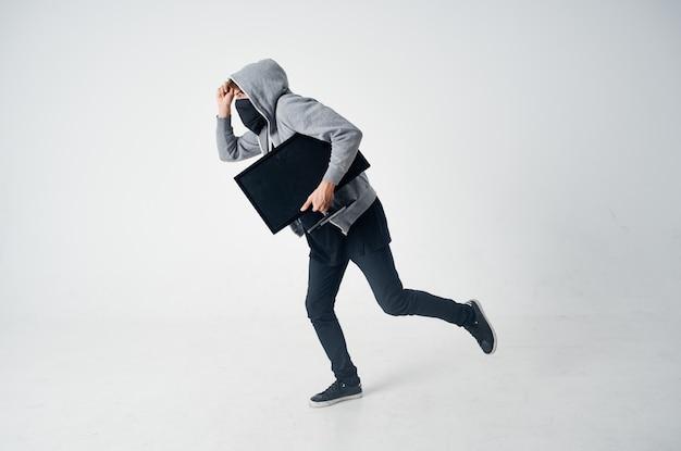 Hacker hooded head hacking technologie beveiliging geïsoleerde achtergrond