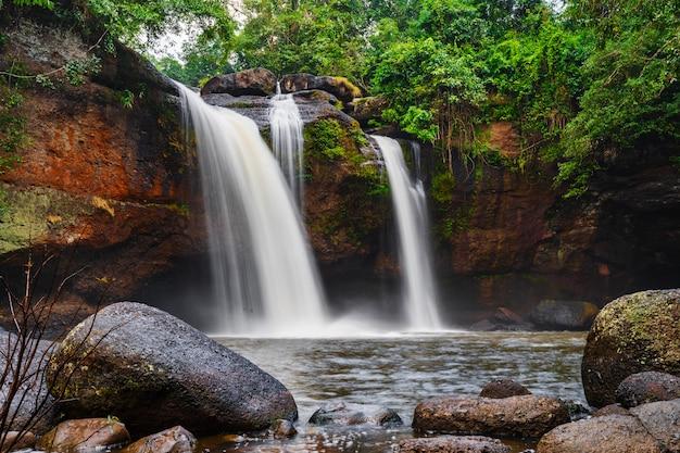 Haew suwat-waterval in khao yai park, thailand