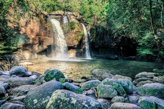 Haew suwat waterval nationaal park khao yai