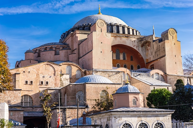 Hagia sophia, christelijke patriarchale basiliek, keizerlijke moskee en museum in istanbul, turkije