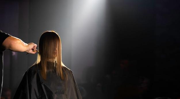 Hair cut trend show van professional salon hair