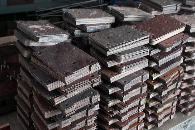 Halffabrikaten van metaal