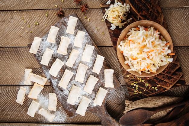 Halffabrikaten zuurkoolknoedels vareniki