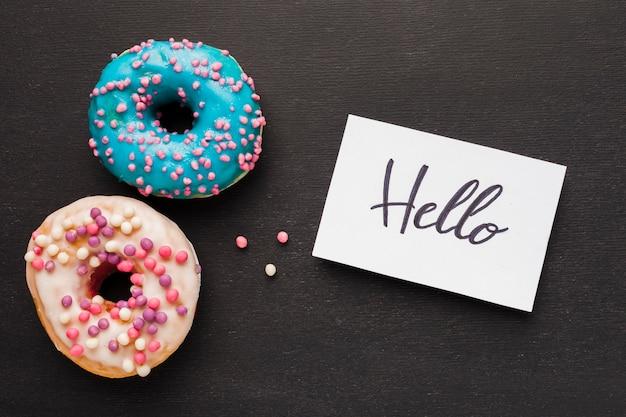 Hallo notitie met donuts