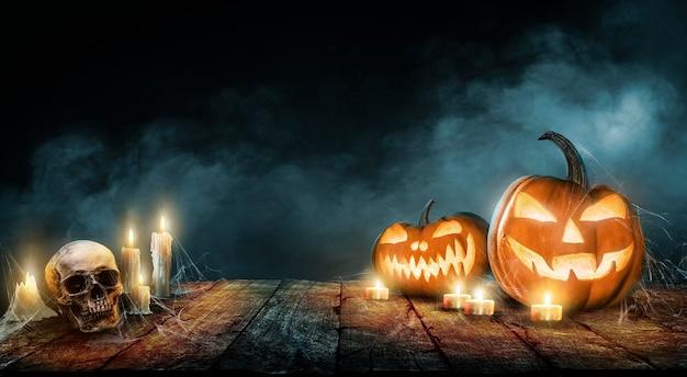 Halloween behang met boze pompoenen
