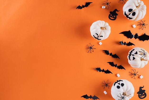Halloween-de achtergrond van de ambachtendecoratie met exemplaarruimte voor tekst