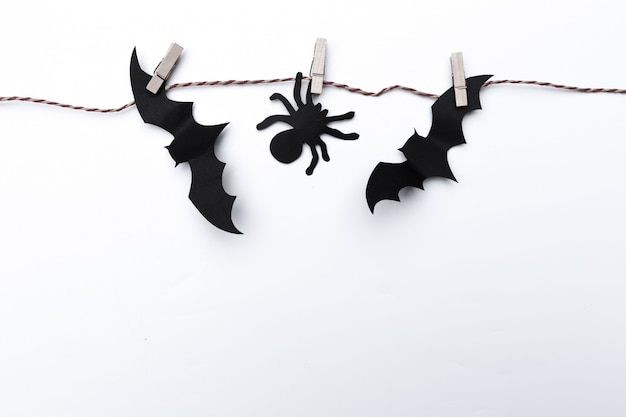 Halloween en decoratieconcept - document knuppels het vliegen