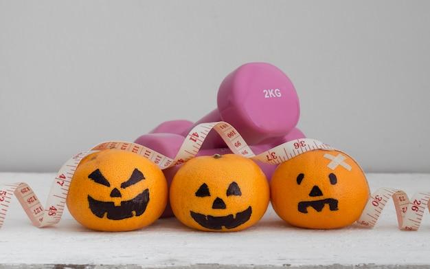 Halloween festical met fitness, oefening, het uitwerken achtergrondconcept.