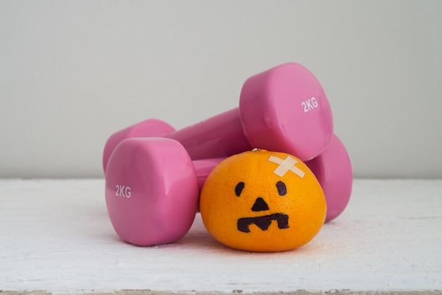 Halloween-festival met fitness, lichaamsbeweging, trainen