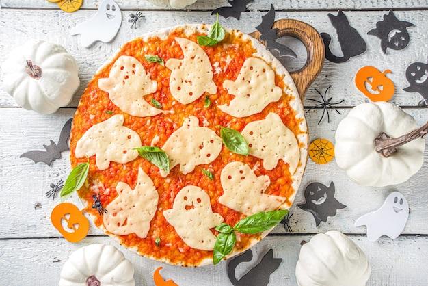 Halloween ingerichte pizza