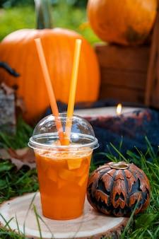 Halloween. jack-o-lantern. enge pompoen