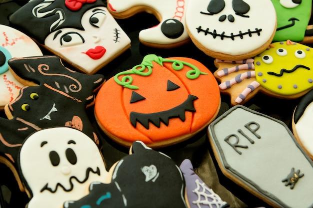 Halloween-koekjes met verschillende vormen