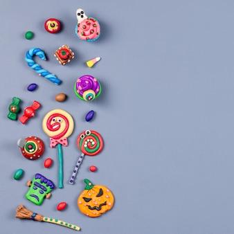 Halloween met decoraties op grijs