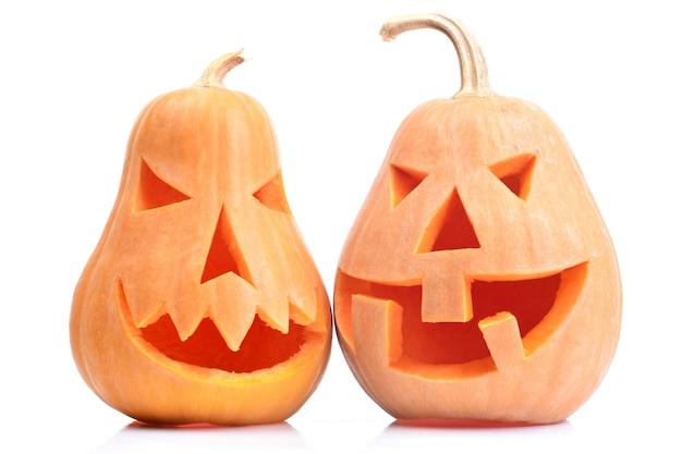 Halloween pompoenen geïsoleerd