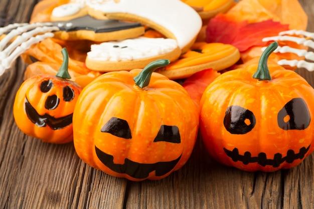 Halloween-pompoenen van de close-up