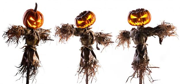 Halloween-pompoenvogelverschrikker op wit wordt geïsoleerd dat