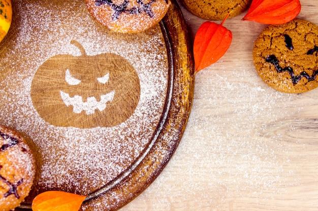 Halloween snoep en bladeren