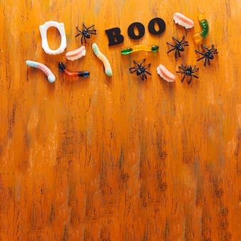 Halloween snoepjes en boo-bijschrift