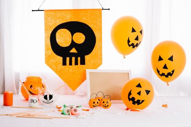 Halloween tafel met pompoenballonnen