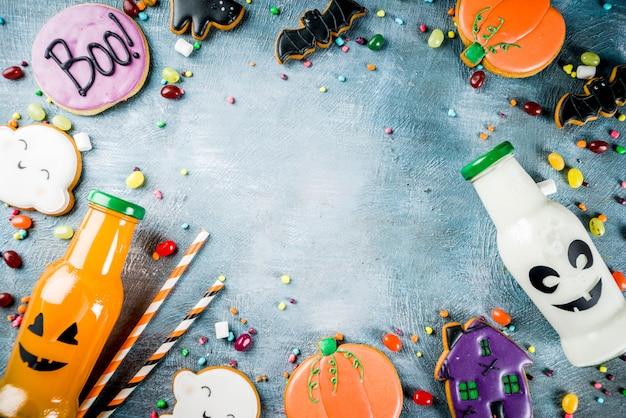 Halloween-voedsel, schoolmaaltijddoos met de fles van de pompoendrank