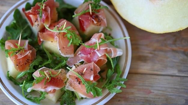 Ham meloen rucola voorgerecht