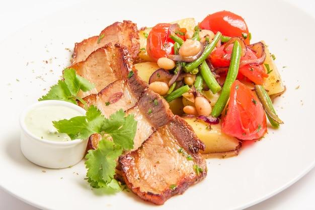 Ham met geroosterde groenten