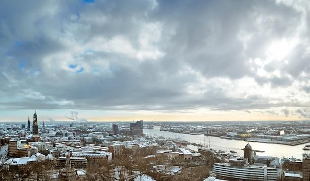 Hamburg onder sneeuwlandschap