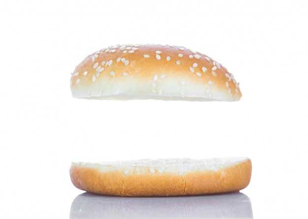 Hamburger brood met een witte ruimte