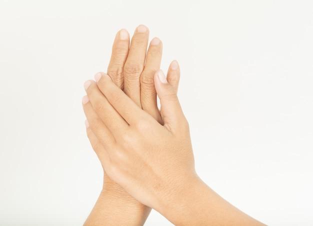 Hand 2 handen met een andere huid.
