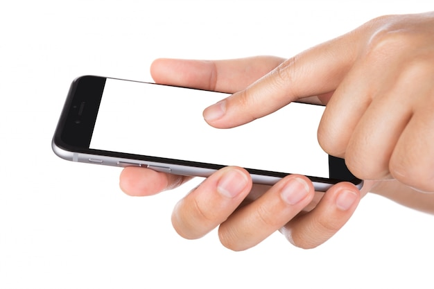 Hand die een smartphone met een leeg scherm en witte achtergrond