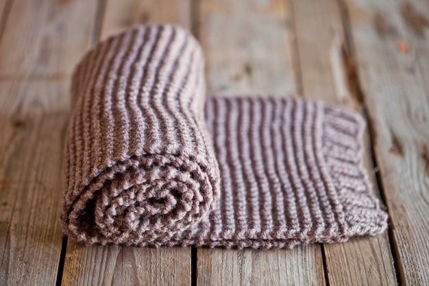 Hand gebreide bruine sjaal