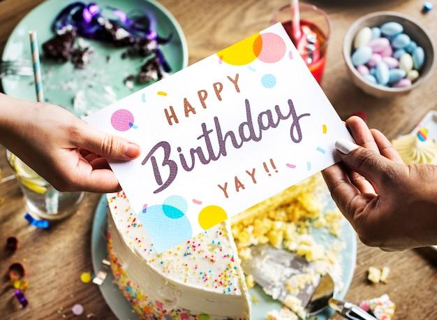 Hand geven verjaardag wensen kaart aan vriend