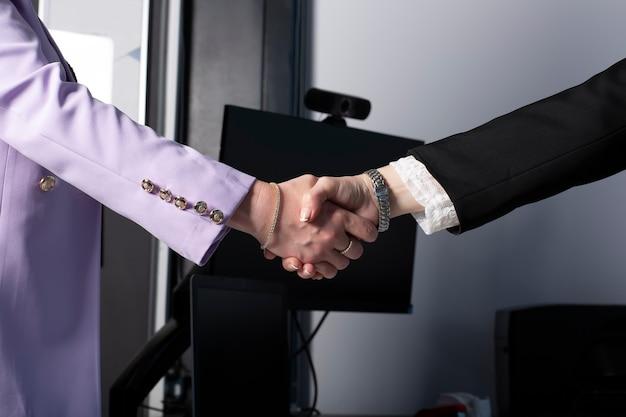 Hand in hand op de reis van succes
