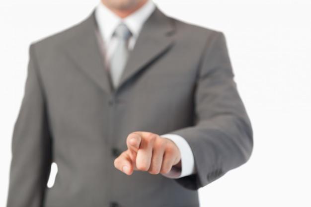 Hand indrukken van een onzichtbare sleutel