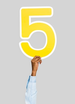Hand met de letter 5