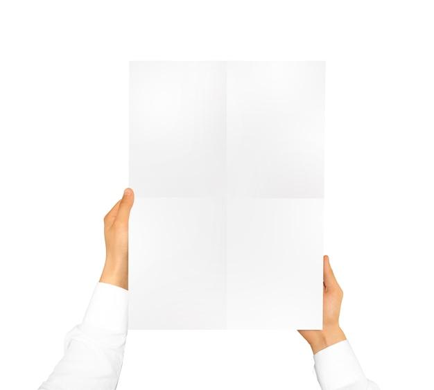 Hand met witte poster mock up.