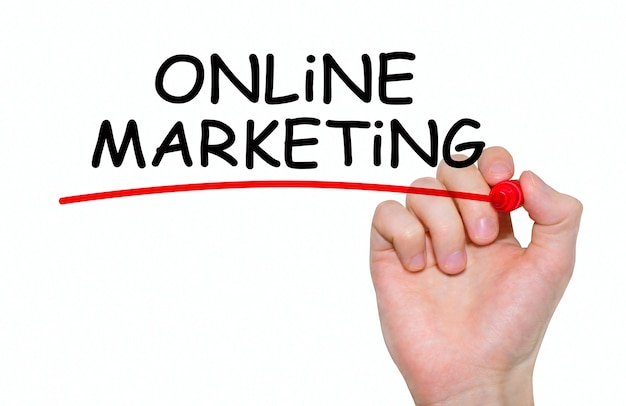 Hand schrijven inscriptie online marketing met marker, concept
