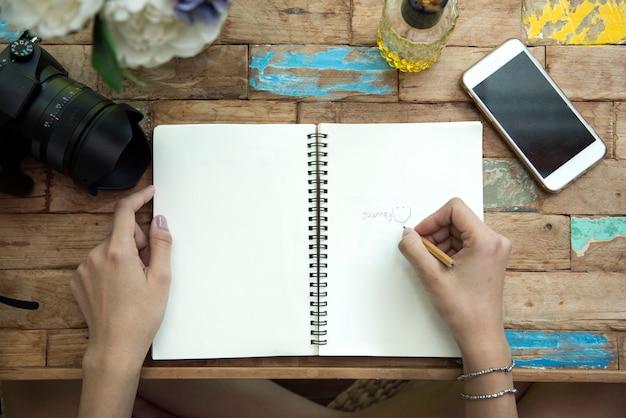 Hand schrijven op laptop