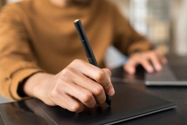 Hand tekenen op grafisch tablet