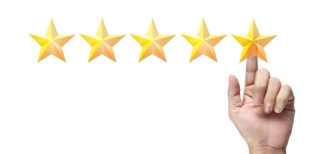 Hand van ontroerende stijging op het verhogen van vijf sterren. verhoog het concept van classificatieclassificatie