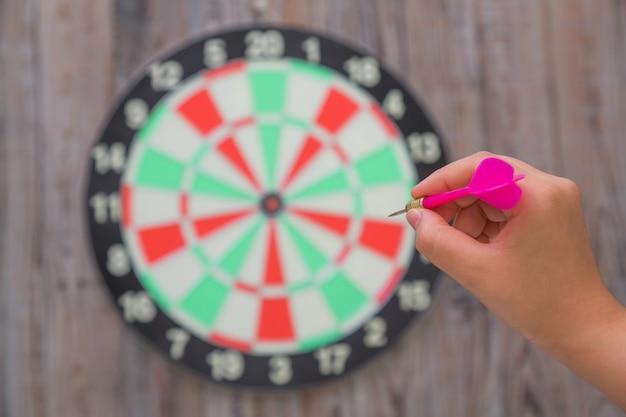 Hand wijst een pijl naar een doel