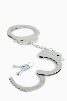 Handboeien en sleutels