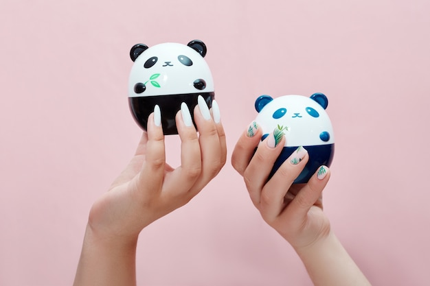 Handcosmetica nagels kleuren en verzorging