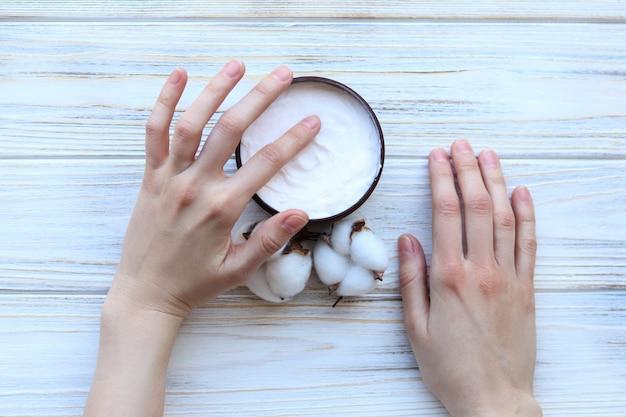 Handcrème, handverzorging, een bovenaanzicht